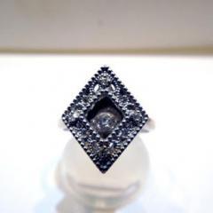 ☆美品☆K18WG ダイヤリング 0.3ct☆