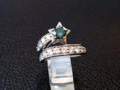 美品★PT900ブルーダイヤモンド★0.686ct★リング